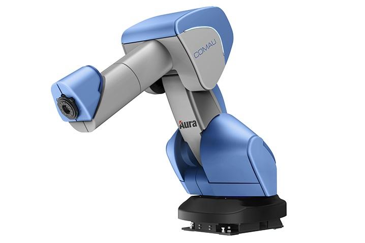 Die Aura-Schutzhaut von Comau gibt es sogar für 170 kg starke Schwerlast-Roboter.