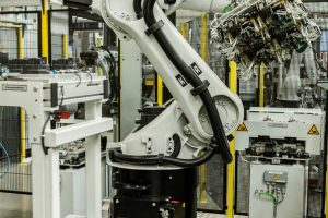 25_KUKA_robots@Possehl_Electronics_(1).jpg