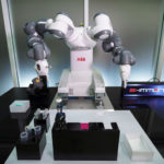 ABB_Robotics_Covid_Impfstoff_(2).jpg