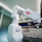 ABB_Robotics_Covid_Impfstoff_(3).jpg