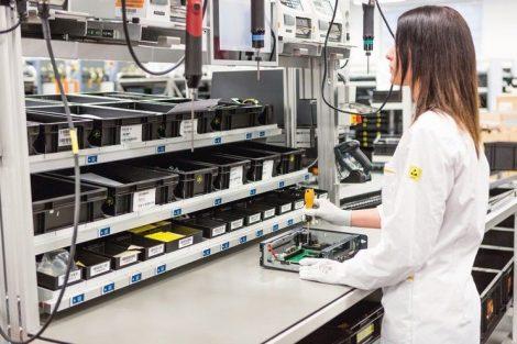 B&R erprobt Arbeitsplatz der Zukunft in der eigenen Fabrik