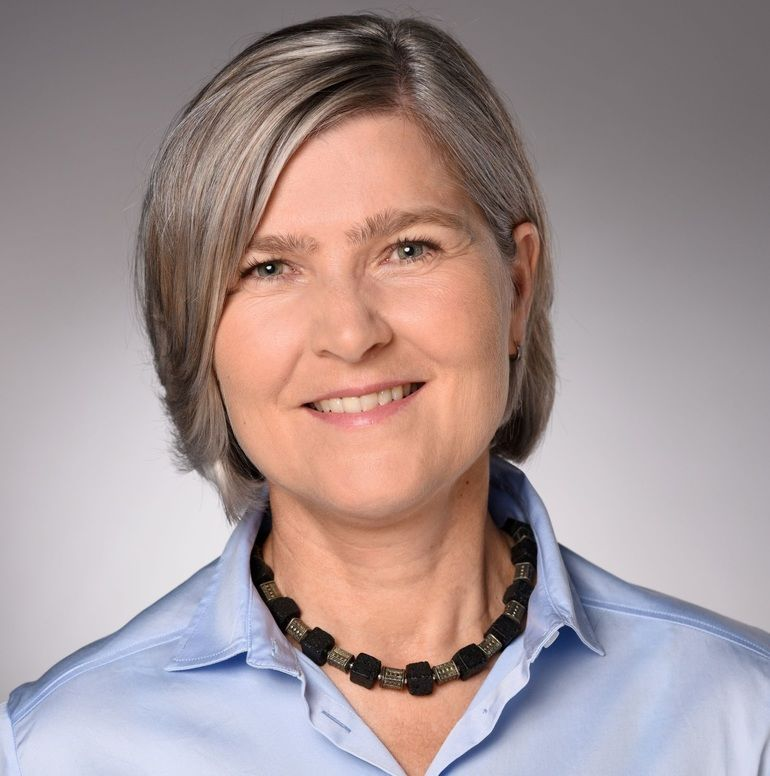 Dr._Ulrike_Tagscherer,_Chief_Innovation_Officer_KUKA_Krise.jpg