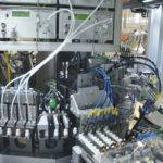 Die_Medtech-Anlage_prüft_nach_jedem_Montageschritt_die_Qualität_des_entstehenden_Produkts