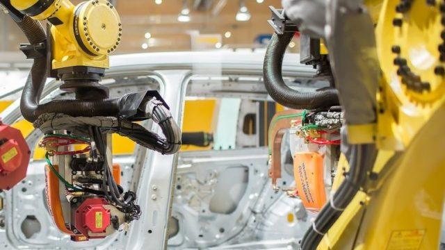 FANUC-Roboter_im_Automobilbau.jpg