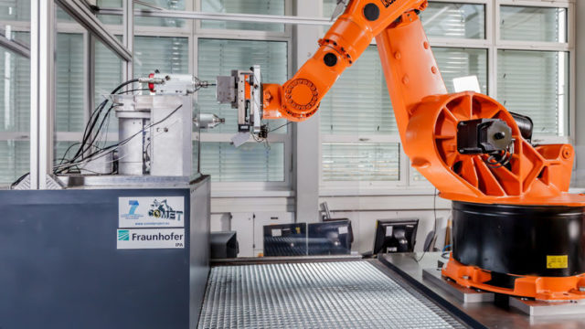 Fraunhofer-IPA_Hochgenaues-Robotersystem1.jpg
