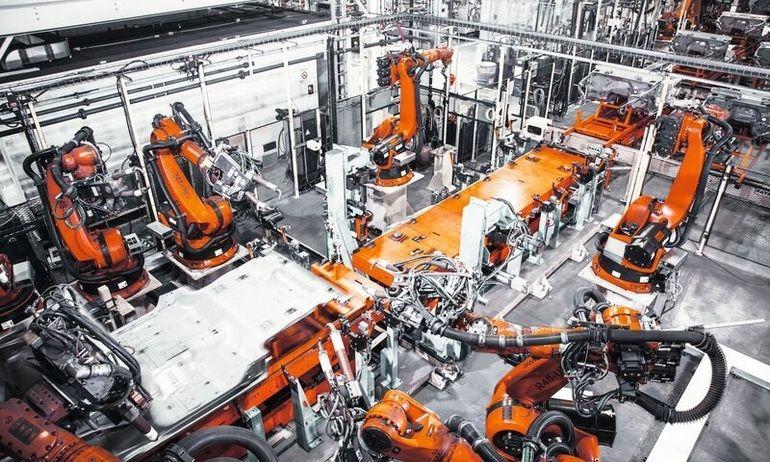 IFR_Kuka-Roboter_Handling_SpotWelding.jpg