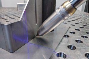 IPA_Schweiss_Cobot_Laserliniensensor.jpg