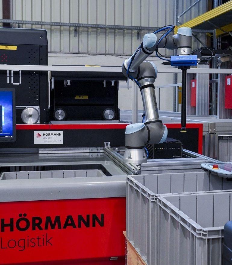 KI_Robot_Pick_Robominds_Hoermann.jpg