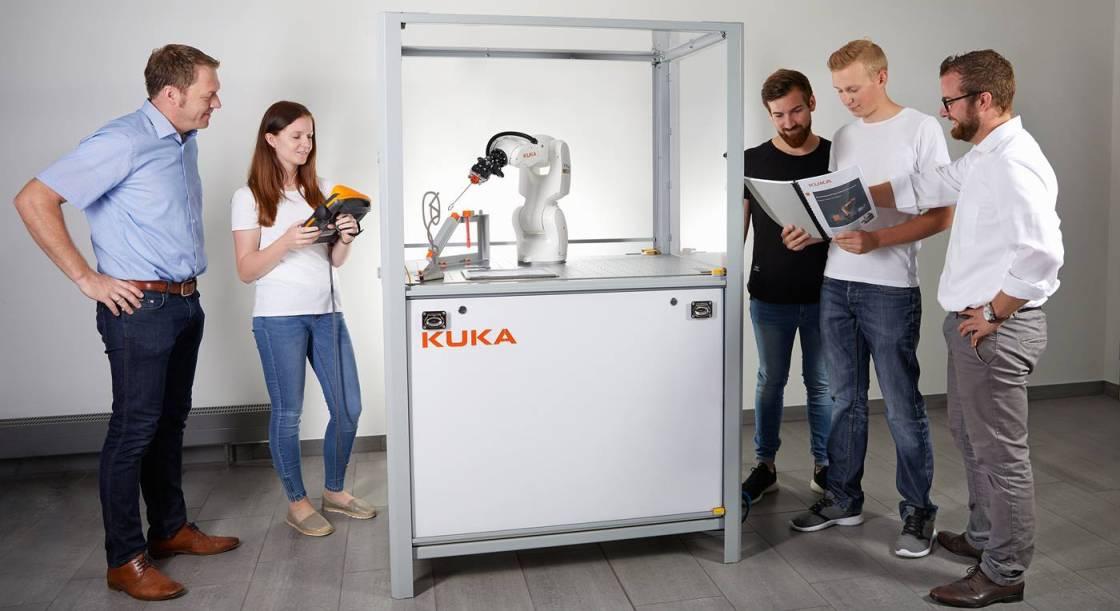 KUKA Roboter Studenten Hochschule Karlsruhe