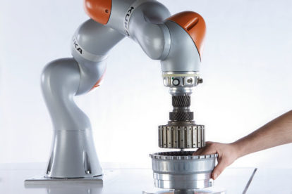 KUKA_Human-Robot-Collaboration_03.jpg