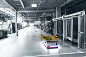 KUKA_Intelligente_Intralogistik_in_der_Produktion_bei_BMW.jpg