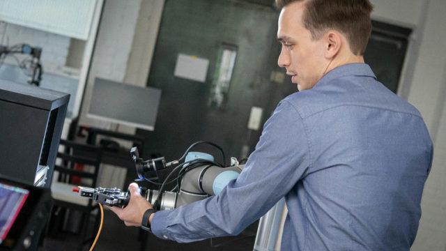 Kuenstliche_Intelligenz_KI_Roboter_Produktion_Micropsi_(1).jpg
