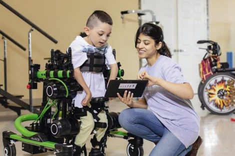 Laufroboter hilft Kindern mit Handicap