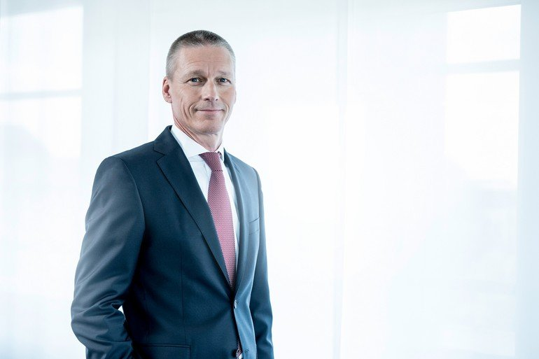 CEO_der_Division_Digital_Factory,_Siemens_AG.__CEO_of_Digital_Factory_Division,_Siemens_AG_