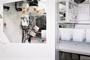 Production_of_laboratory_products_with_Kuka_robots.jpg