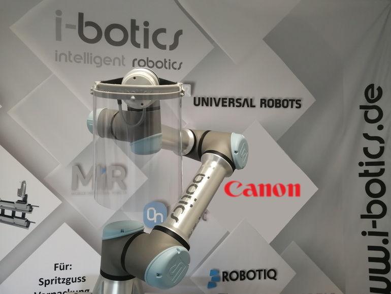 Schutzvisier_Roboter_ibotics.jpg