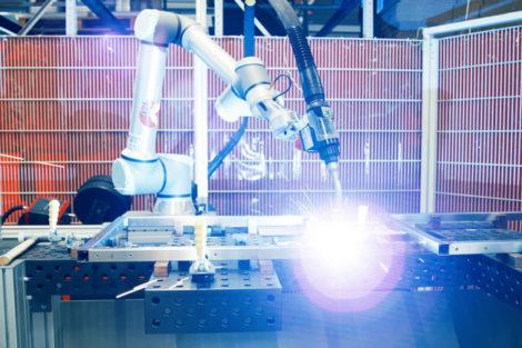 UR_Cobot_Schweissen_UR_Koehler_1_(c)_Universal_Robots.jpg