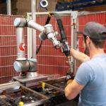 UR_Cobot_Schweissen_UR_Koehler_2_(c)_Universal_Robots.jpg